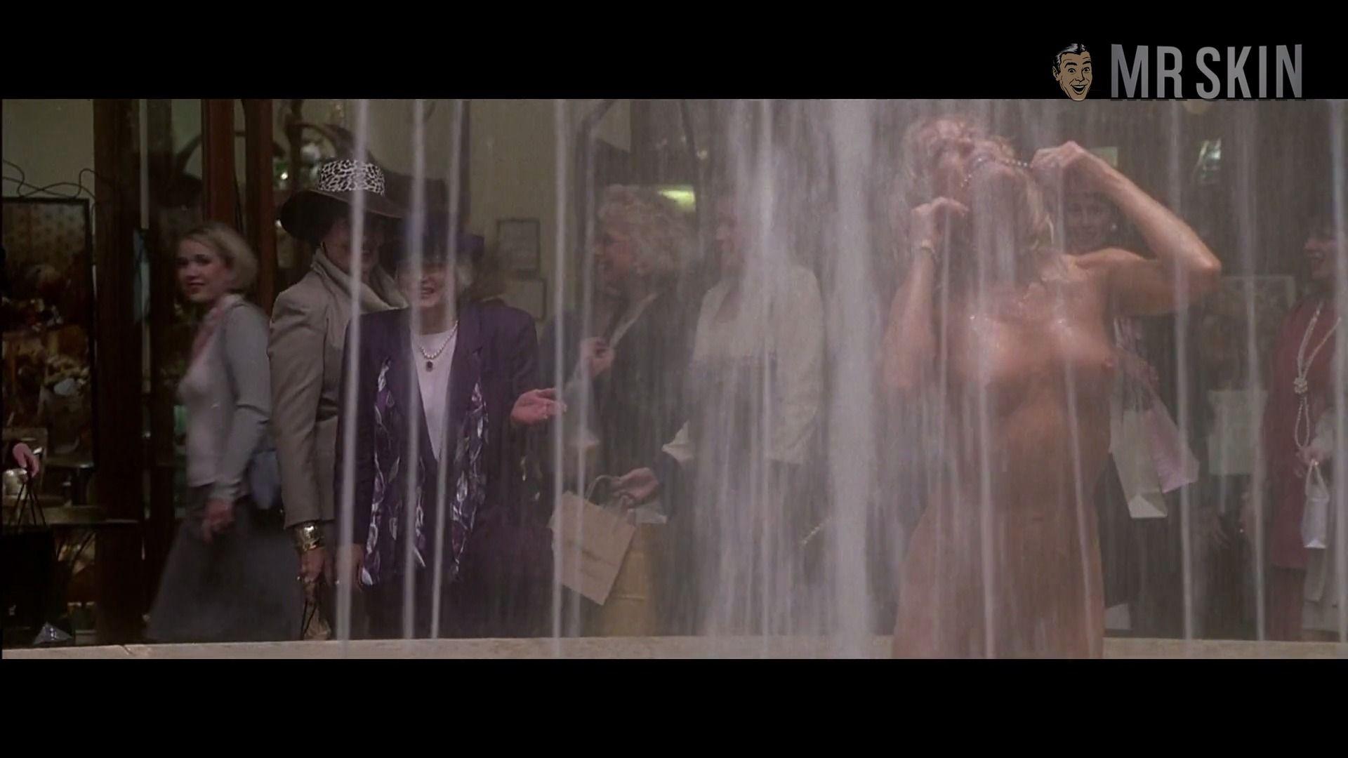 Topless Farrah Fawcett Free Nude Pic Gif