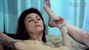 Claire Wilbur  nackt