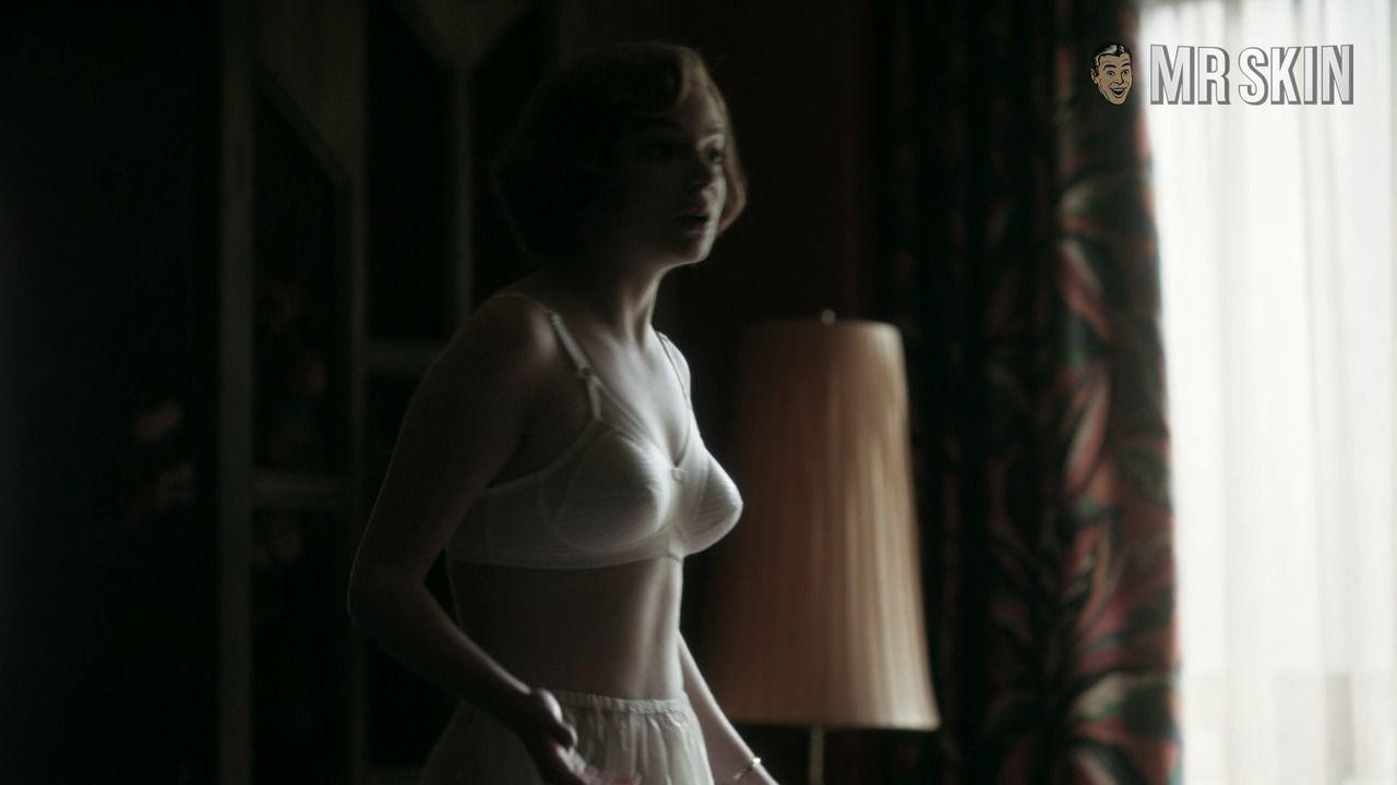 Anya Taylor-Joy Hot